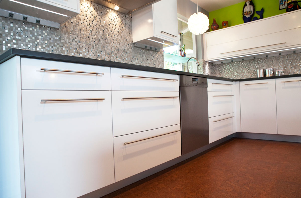 Contemporary European Style Kitchen - DC CABINET